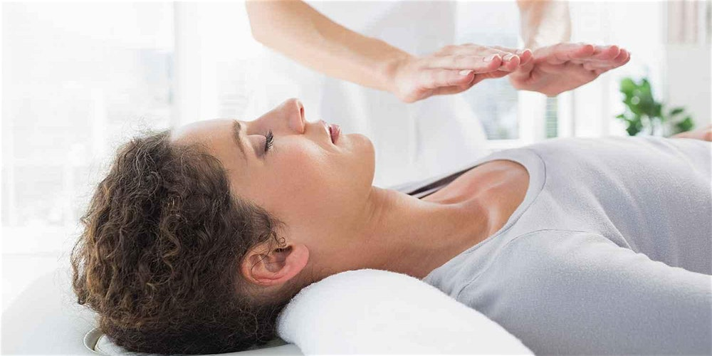 Reiki Healing: What Is It & How Does It Work?